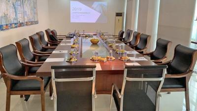 欧升玻璃钢会议室图
